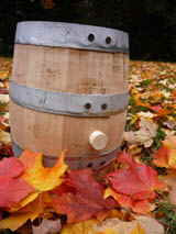 Canadian oak wine barrels  in 3 L size these small barrels and kegs